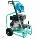 Worms pressure washer