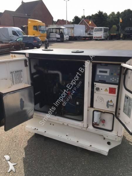 Material de obra Caterpillar P22 kVa