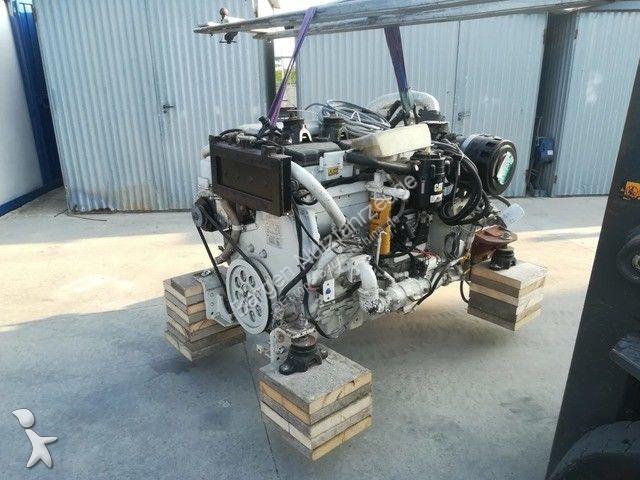 Matériel de chantier Caterpillar 2 x Caterpillar Marine C12 DITA 660 hp engines w
