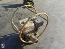 matériel de chantier Honda Petrol Poker Unit c/w Engine