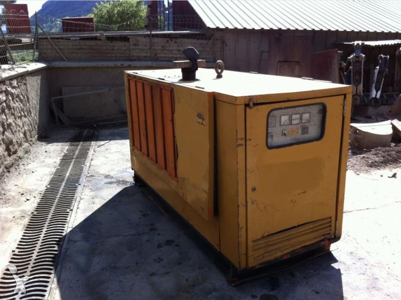 mat riel de chantier groupe lectrog ne occasion diesel energie 60 kva annonce n 1307334. Black Bedroom Furniture Sets. Home Design Ideas