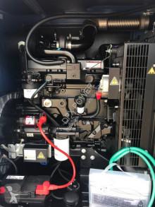 Vedeţi fotografiile Utilaj de şantier SDMO J88 - 88 kVA Generator - DPX-17105