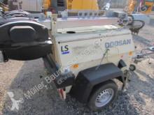 Vedeţi fotografiile Utilaj de şantier Doosan LT6KA Lichtmast Lichtturm