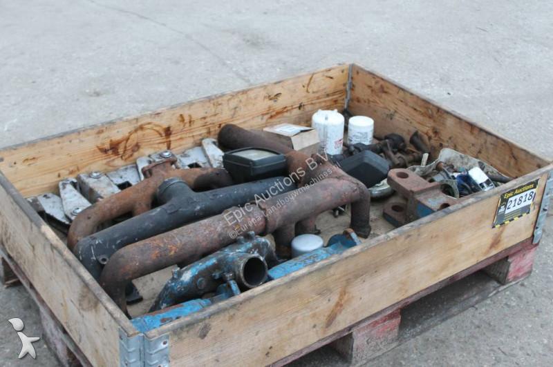 N/a Pallet Met Onderdelen Tbv Tractor spare parts