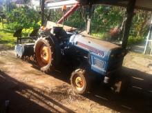 tractor agrícola Hinomoto
