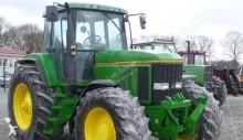 John Deere 7R 7800 farm tractor