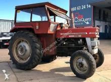 tracteur agricole Massey Ferguson 135