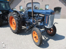 Fordson blauwe reiger farm tractor