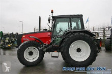 tracteur agricole Valtra 8150