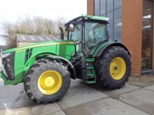 tracteur agricole John Deere 8320 R E23