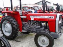 tracteur agricole Massey Ferguson 240
