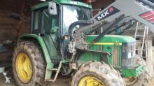 tracteur agricole John Deere 6110