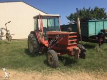 tracteur agricole Renault 951
