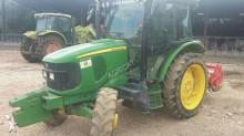 tracteur agricole John Deere 5100 R