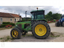 trattore agricolo John Deere 3140