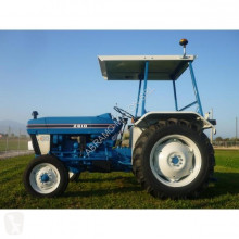 tracteur agricole Ford 2610