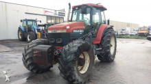 trattore agricolo New Holland G210