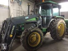 trattore agricolo John Deere 2450 SG2