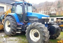 tracteur agricole New Holland g240