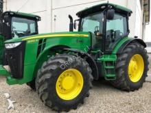 trattore agricolo John Deere 8260R
