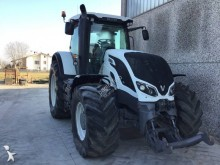 tracteur agricole Valtra S294