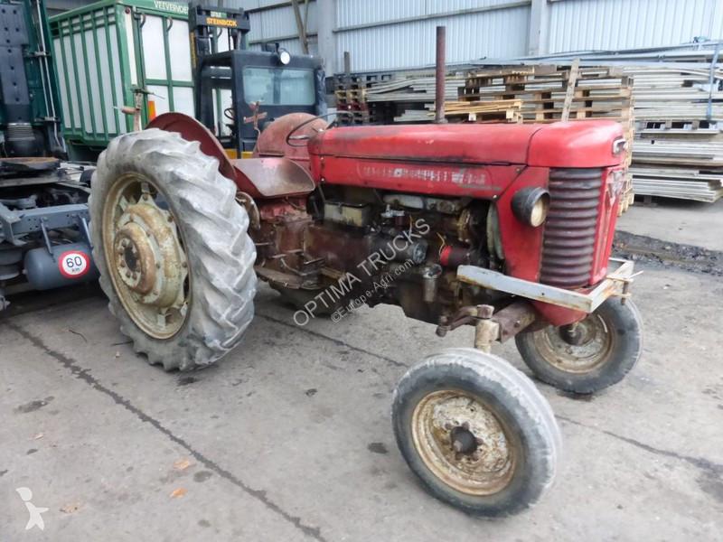 Tracteur agricole Massey Ferguson 65