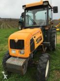tracteur agricole Renault DIONIS 140