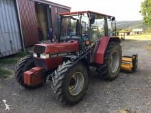 trattore agricolo Case 940
