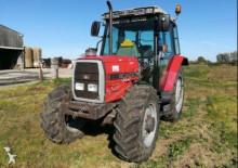 Massey Ferguson Landwirtschaftstraktor