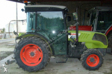 trattore agricolo Claas NEXOS