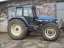 landbouwtractor New Holland 8360