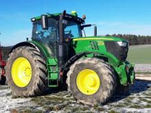 John Deere 6215R Landwirtschaftstraktor