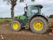 John Deere 7230R Landwirtschaftstraktor