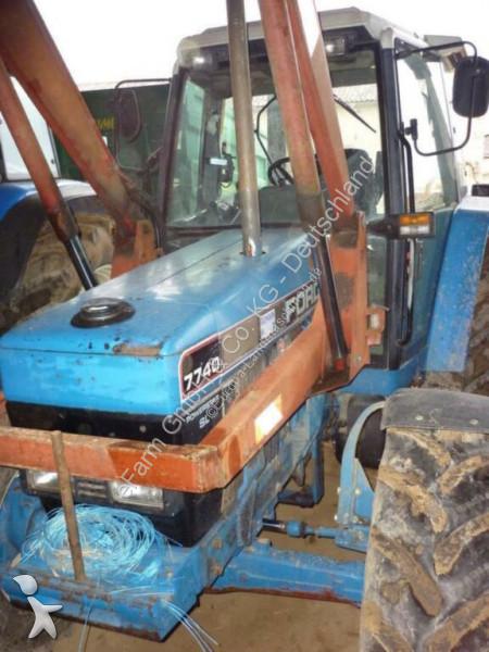Bekijk foto's Landbouwtractor Ford 7740
