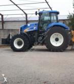 landbouwtractor New Holland T8020