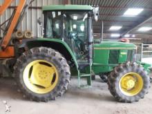 landbouwtractor John Deere 6200