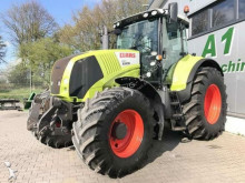 trattore agricolo Claas AXION 810