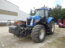 trattore agricolo New Holland T8020