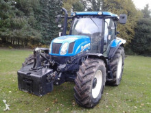 trattore agricolo New Holland T6.165
