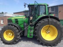 trattore agricolo John Deere 7530
