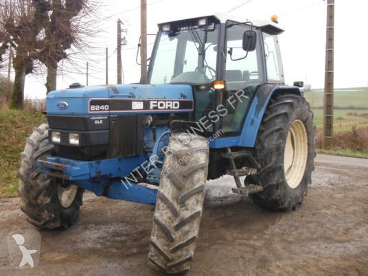 Tracteur agricole Ford 8240