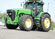 landbouwtractor John Deere 8530