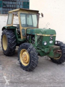 tracteur agricole John Deere 3130