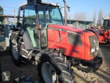 trattore agricolo Massey Ferguson