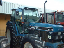 trattore agricolo Ford r 8340 dt