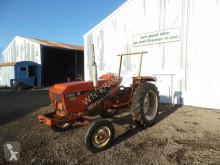 tracteur agricole Renault 56