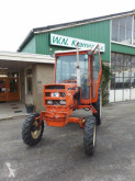 trattore agricolo Renault 651
