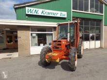 Renault 781-4 farm tractor