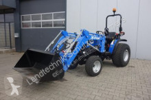 trattore agricolo nc Solis 26 mit Rasenbereifung und Frontlader