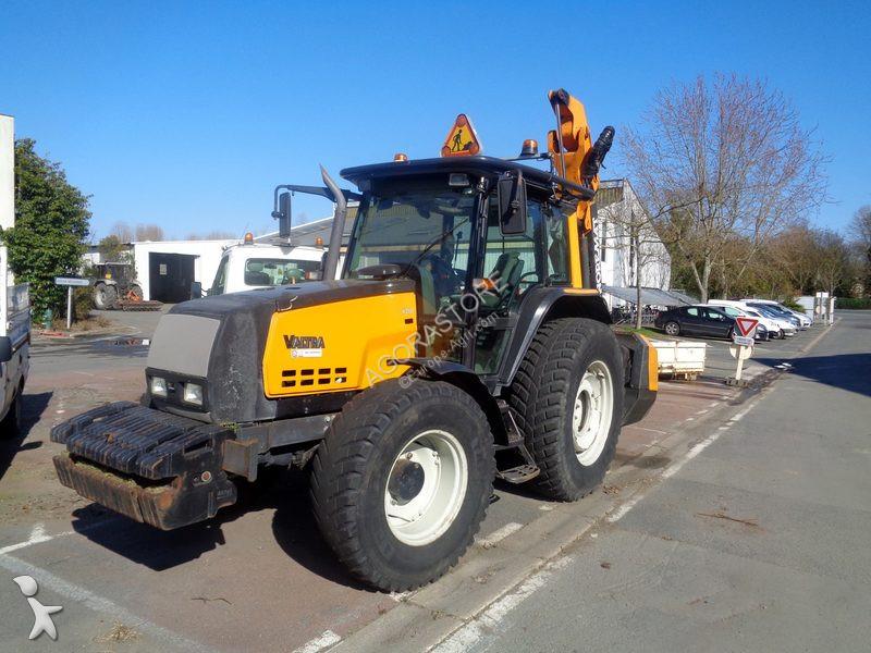 Tracteur agricole Valtra 6350 4